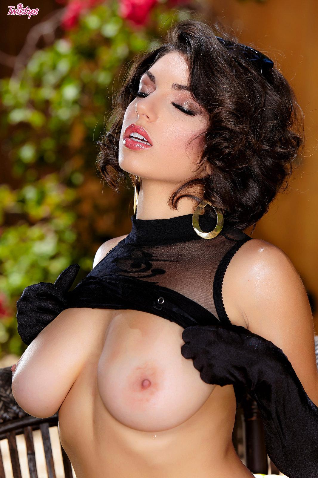 Erotic xnxxvideo nude image